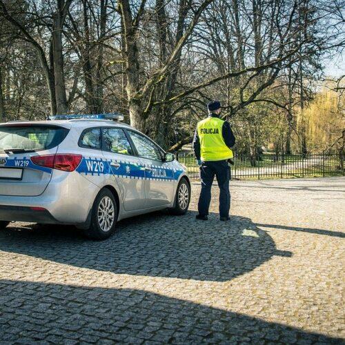 Policjanci zatrzymali nietrzeźwego kierującego z zakazem prowadzenia pojazdów